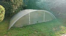 Starší obloukové zastřešení bazénu